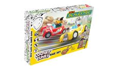 MY FIRST SCALEXTRIC LOONEY TUNES MAINS POWERED  (4/19) *